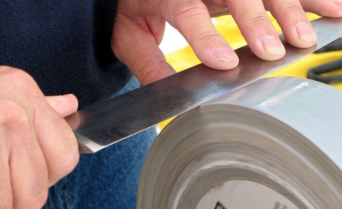 Ukázka broušení nože